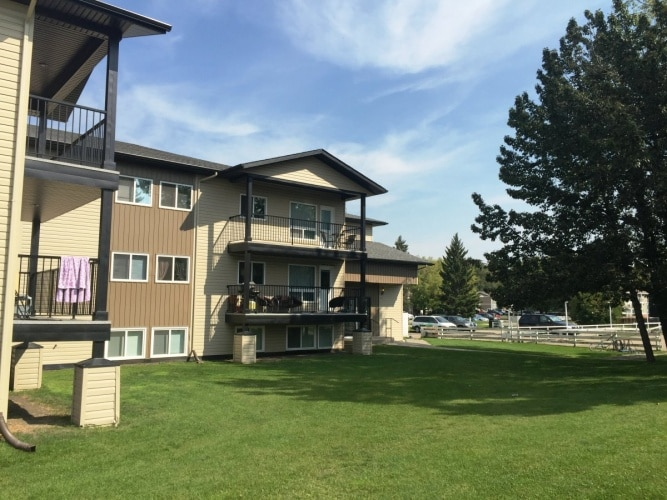 Apartment For Rent 109 - 5920 60A Street, Red Deer, 2 Bedrooms, 1 Bathroom