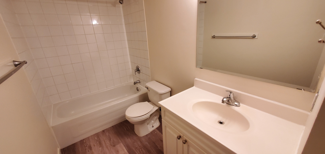 Apartment For Rent 106 - 5920 60A Street, Red Deer, 3 Bedrooms, 1 Bathroom