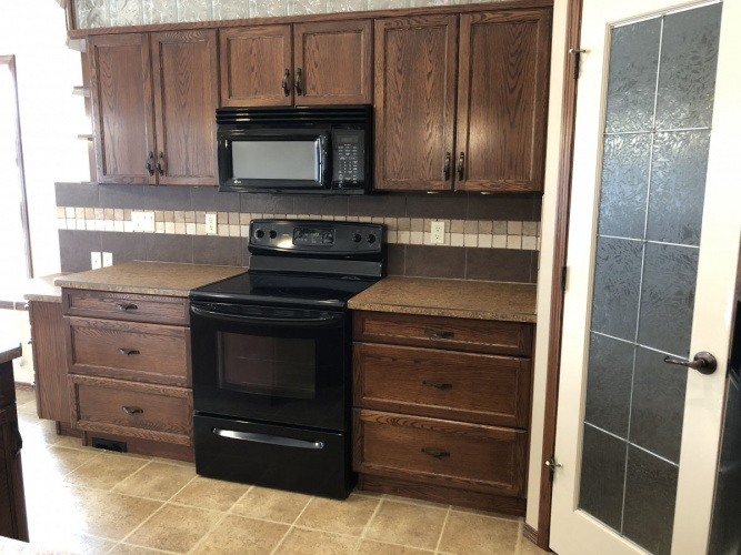 House For Rent 1 Leader Cove, Sylvan Lake, 5 Bedrooms, 3 Bathrooms