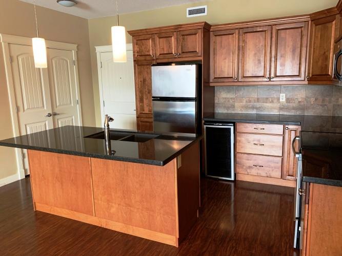 Condo For Rent 210 - 4707 50 Street, Sylvan Lake, 2 Bedrooms, 2 Bathrooms