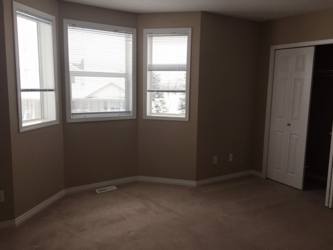 Townhouse For Rent 161 - 33 Donlevy Ave, Red Deer, 2 Bedrooms, 1.5 Bathrooms