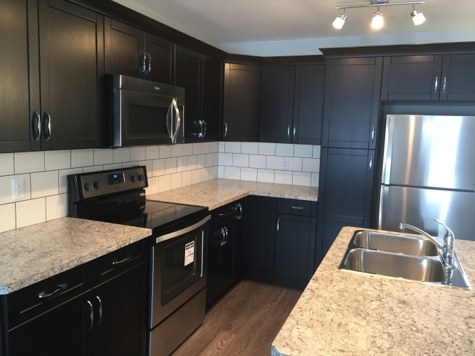 Townhouse For Rent 8 Hawthorn Place, Sylvan Lake, 3 Bedrooms, 3.5 Bathrooms