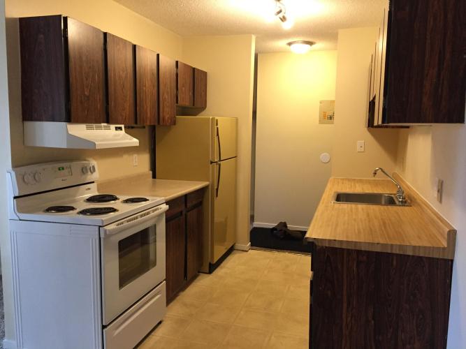 Apartment For Rent 104 - 4746 55 Street, Red Deer, 1 Bedroom, 1 Bathroom