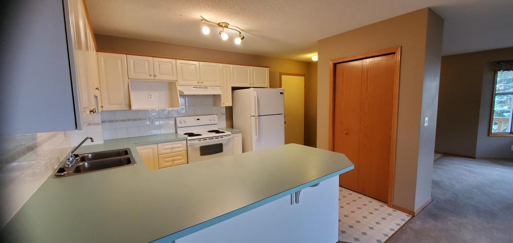 Duplex For Rent 31 Westwood Court, Sylvan Lake, 2 Bedrooms, 1 Bathroom
