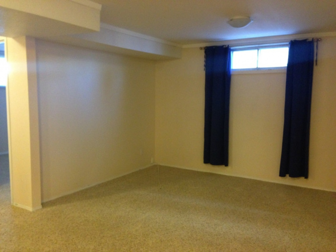 Basement Suite For Rent Bsmt 68 Wigmore Close, Red Deer, 2 Bedrooms, 1 Bathroom