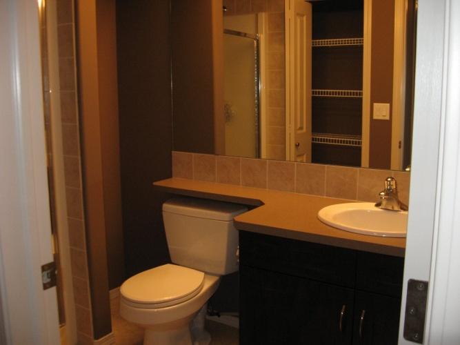 red deer house for rent  4 bedrooms 3 bathrooms  price