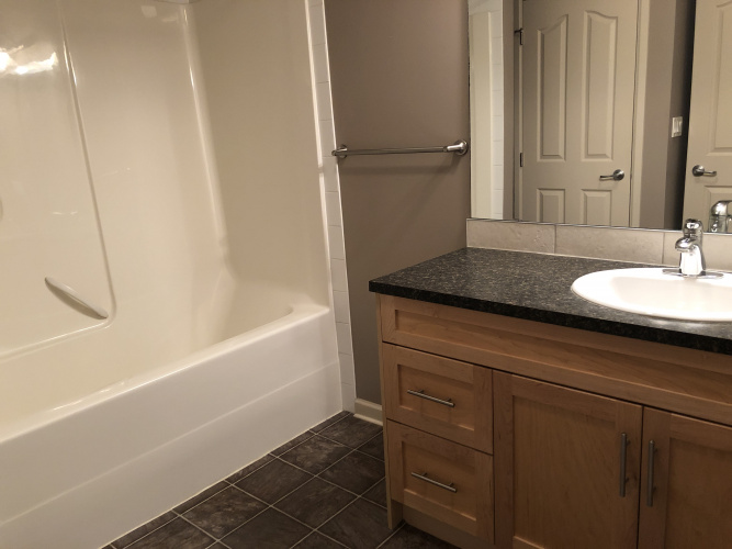 Apartment For Rent 217 5040 53 Street, Sylvan Lake, 2 Bedrooms, 2 Bathrooms