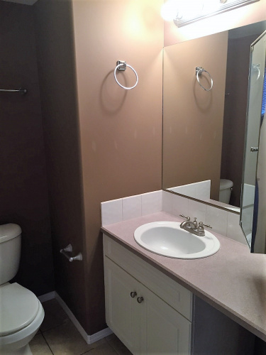 Fourplex For Rent #2 4626 44 Street, Sylvan Lake, 2 Bedrooms, 2 Bathrooms