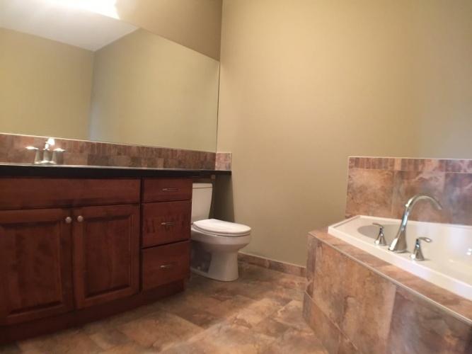 Condo For Rent 103 4707 50 St, Sylvan Lake, 2 Bedrooms, 2 Bathrooms