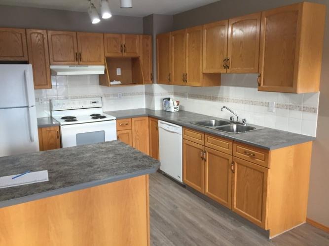 Duplex For Rent 19 Westwood Court, Sylvan Lake, 2 Bedrooms, 1.5 Bathrooms