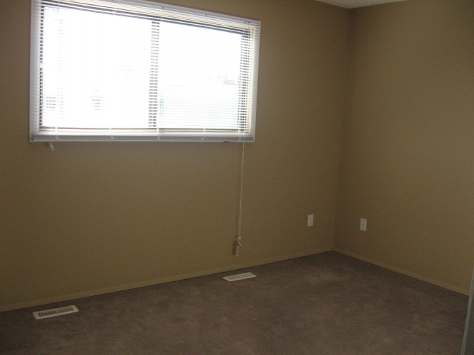 Townhouse For Rent 67 Lakeway Blvd, 2 Bedrooms, 1.5 Bathrooms