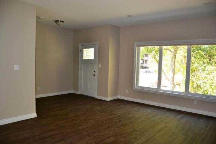 Triplex For Rent B 5116 35 Street, Red Deer, 3 Bedrooms, 1.5 Bathrooms