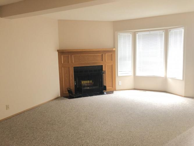 Townhouse For Rent 7 Ellenwood Drive, Red Deer, 3 Bedrooms, 1.5 Bathrooms