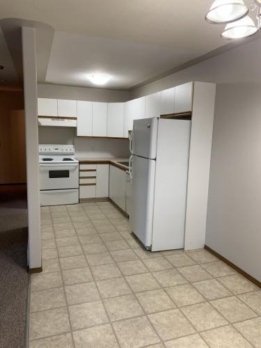 Townhouse For Rent 33 Cosgrove Crescent, Red Deer, 2 Bedrooms, 1.5 Bathrooms