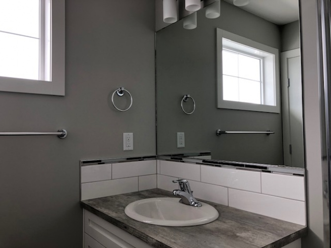 Townhouse For Rent 35 Hawthorn Place, Sylvan Lake, 3 Bedrooms, 2.5 Bathrooms