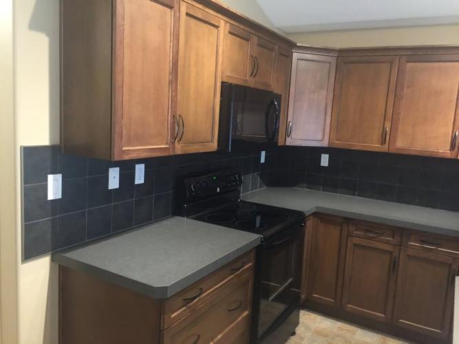 Upper For Rent Main - 133 Redwood Boulevard, Springbrook, 2 Bedrooms, 1 Bathroom