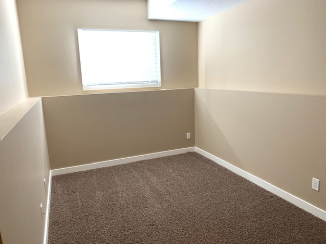 Duplex For Rent 5608 41 Street, Red Deer, 5 Bedrooms, 3 Bathrooms