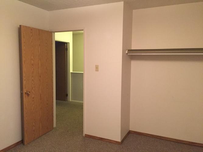 Townhouse For Rent 3F - 35 Nash Street, Red Deer, 3 Bedrooms, 1 Bathroom