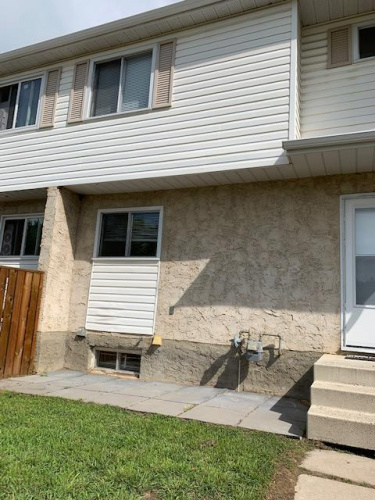 Townhouse For Rent 3F - 35 Nash Street, Red Deer, 3 Bedrooms, 1 Bathroom
