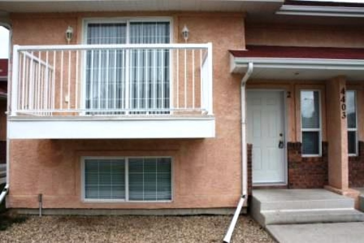 Fourplex For Rent 4 - 4403 46 Avenue, Sylvan Lake, 2 Bedrooms, 1.5 Bathrooms