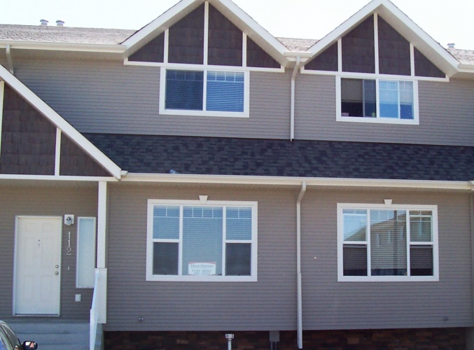 Townhouse For Rent 113 - 50 Lucky Place, Sylvan Lake, 3 Bedrooms, 1.5 Bathrooms