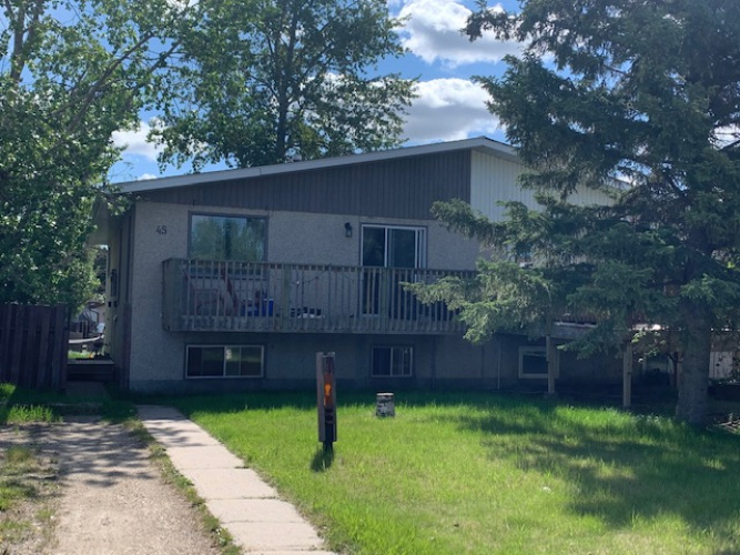 Upper For Rent Main - 45 Newton Drive, Penhold, 2 Bedrooms, 1 Bathroom