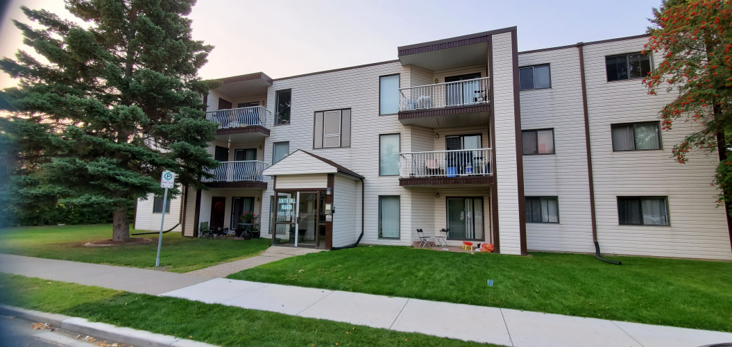 Apartment For Rent 5121-37 street, Red Deer, 2 Bedrooms, 1.5 Bathrooms