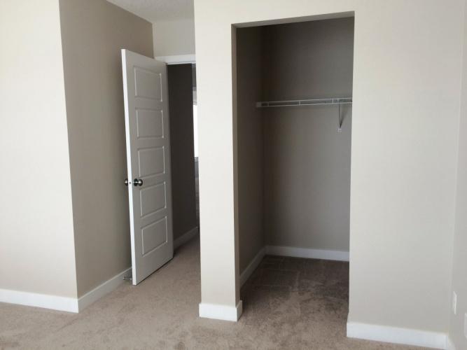 Townhouse For Rent 805-125 Caribou Crest, Red Deer, 2 Bedrooms, 2.5 Bathrooms