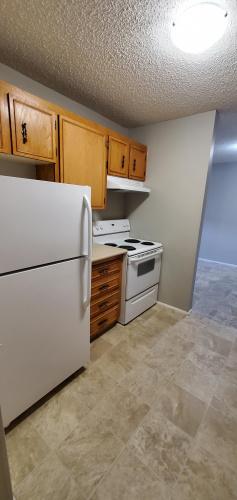 Apartment For Rent 103 - 3905-56 Avenue, Red Deer, 2 Bedrooms, 1 Bathroom