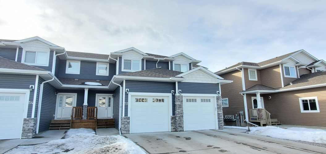 Townhouse For Rent 52 Sullivan Close, Red Deer, 4 Bedrooms, 3.5 Bathrooms