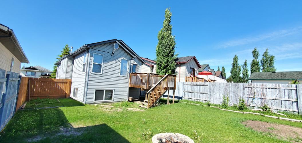 House For Rent 49 James street, Red Deer, 3 Bedrooms, 2 Bathrooms